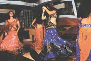 mumbai bar dancers